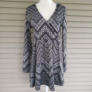 Prince & Fox Geometric Long Sleeve Tunic Sweater